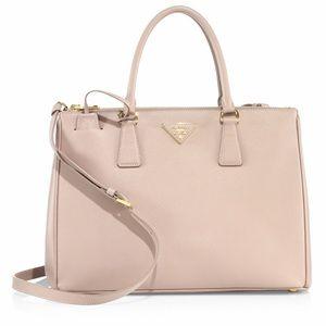 Prada Saffiano Lux Med Double-Zip tote bag Cammeo